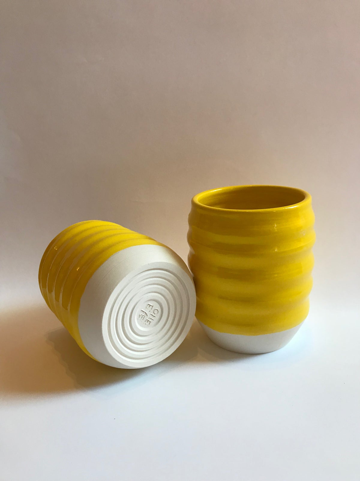 Image of YELLOW WAVY TUMBLER