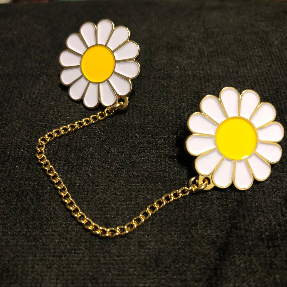 Image of DAISY CHAIN (PREORDER - SHIPS MID/LATE APRIL)