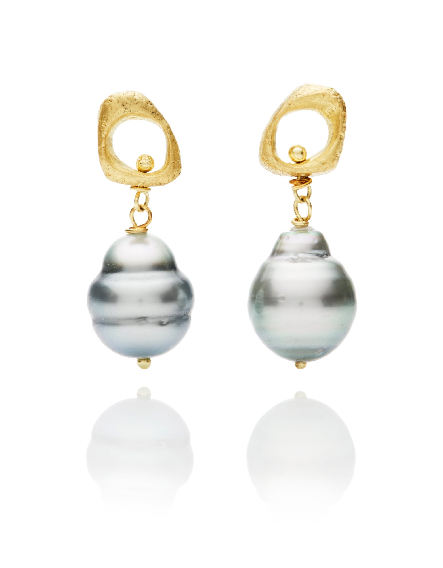 Image of Tahitian Pearl and 18k gold texture stud earrings