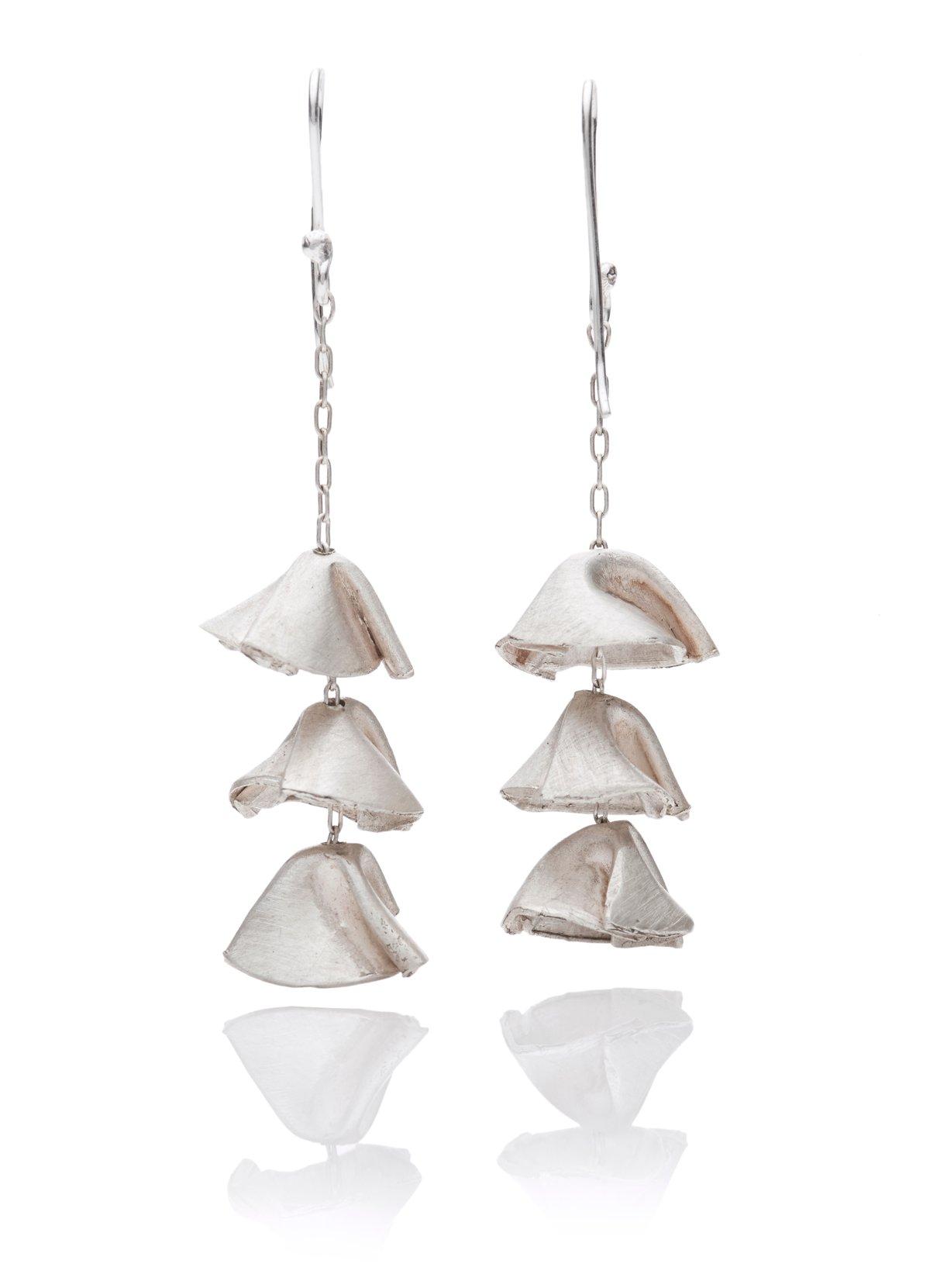 Hanging folded cups silver earrings