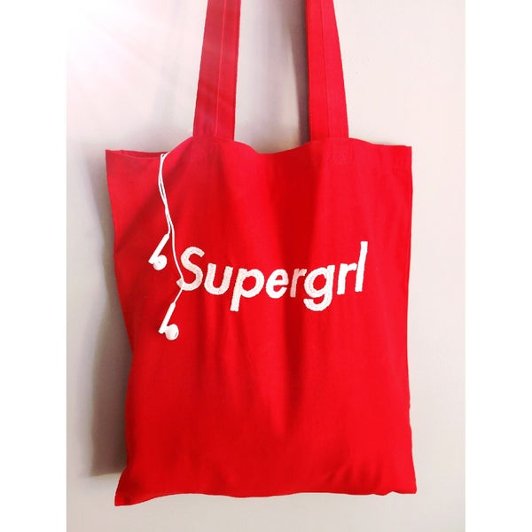 Image of  Tote bag Supergrl / Sac brodé à la main au fil de coton