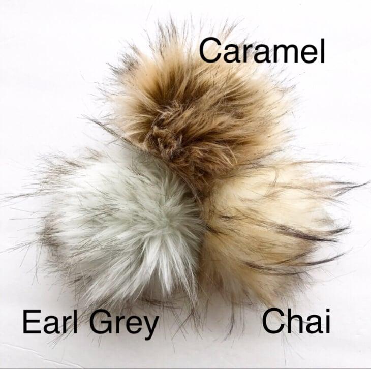 Image of Ribbed Faux Fur Pom Toque