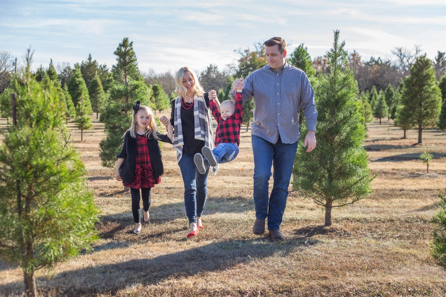 Image of 2018 Christmas Tree Farm Mini Sessions in Van Alstyne! - $200+ tax total ($50 deposit)