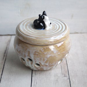 Image of Garlic Keeper with Tuxedo Cat Knob Whimsical Handcrafted Pottery Made in USA