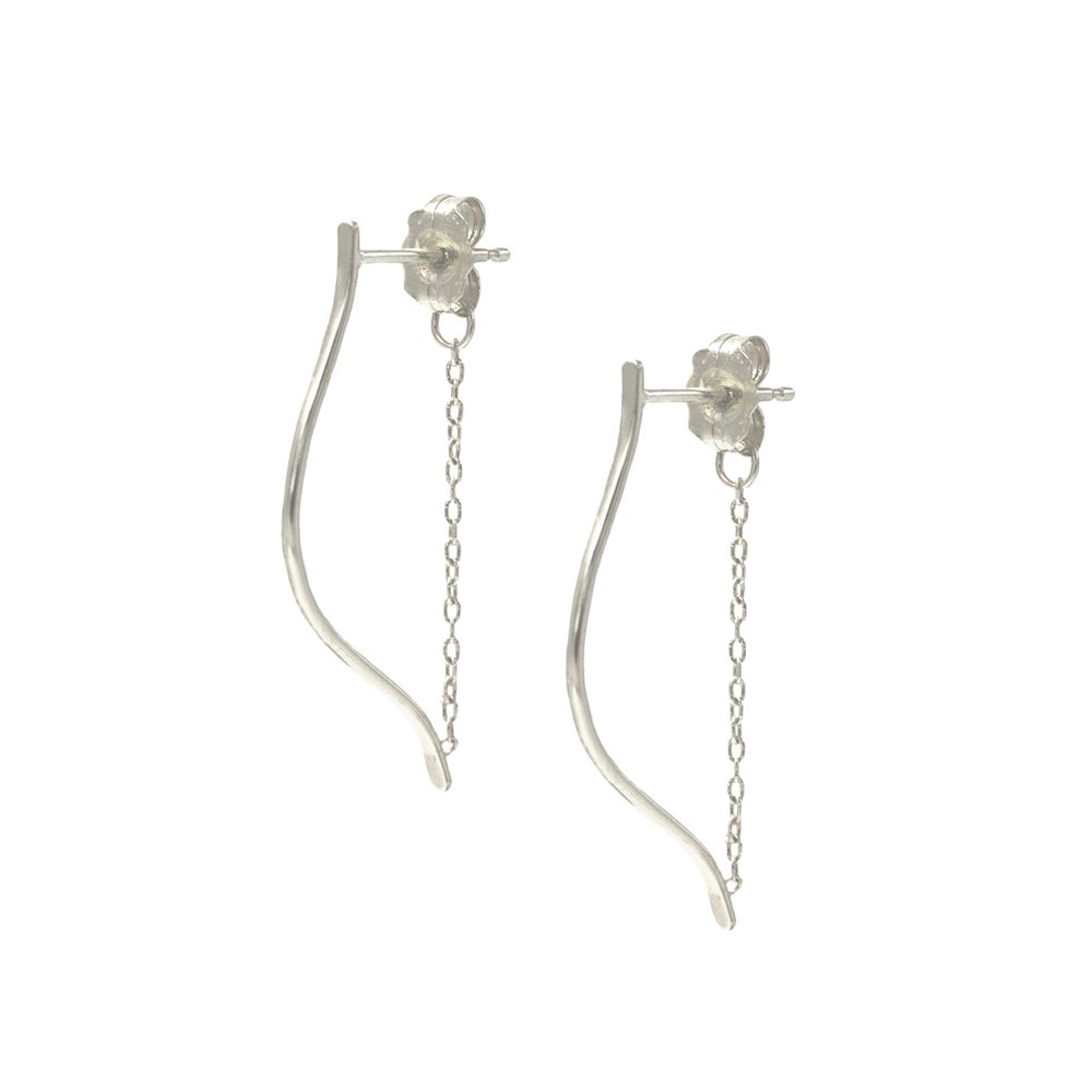 Image of MEDIUM ARTEMIS EARRINGS SILVER
