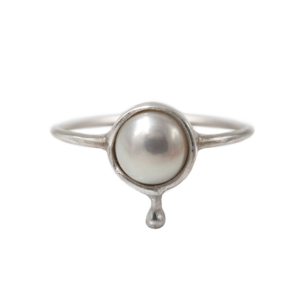 Image of PEARL FLUX RING