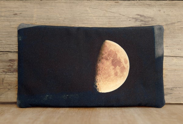 Image of Moon purse with zip