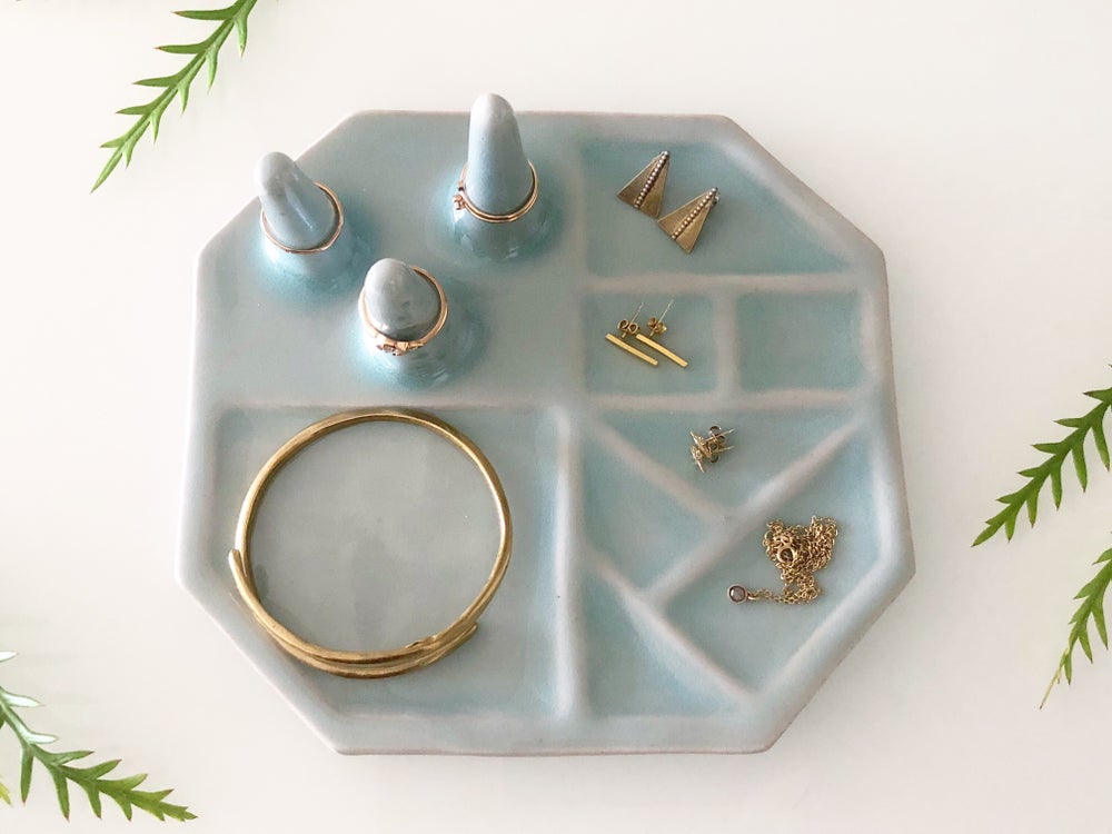 Image of Porcelain Jewelry Holder