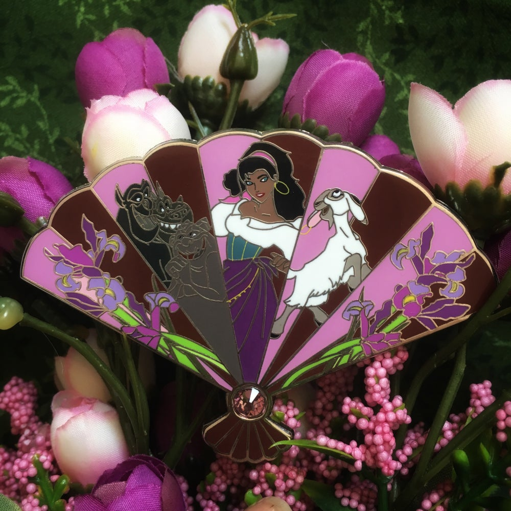 Image of Fan Series - Esmeralda