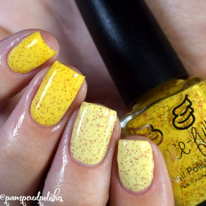 Image of Belle of the Ball – a yellow to very light yellow thermal, gold and red holo microglitter