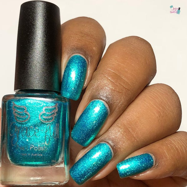 Image of Sirens' Tale – a turquoise metallic flake with sparks of blue metallic flakes