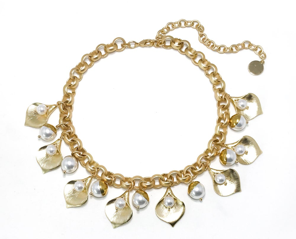 Image of Gold Petal Necklace