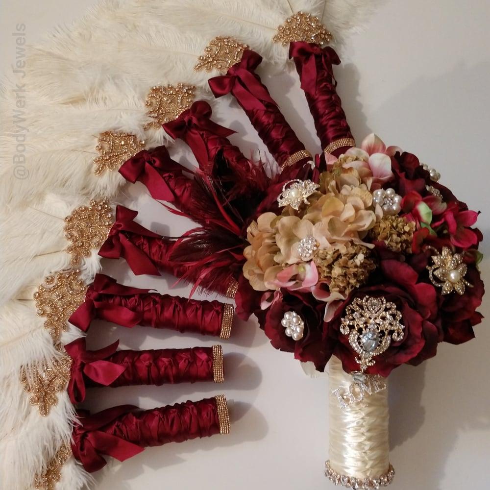 """""""Kristy"""" Brooch Bouquet"""