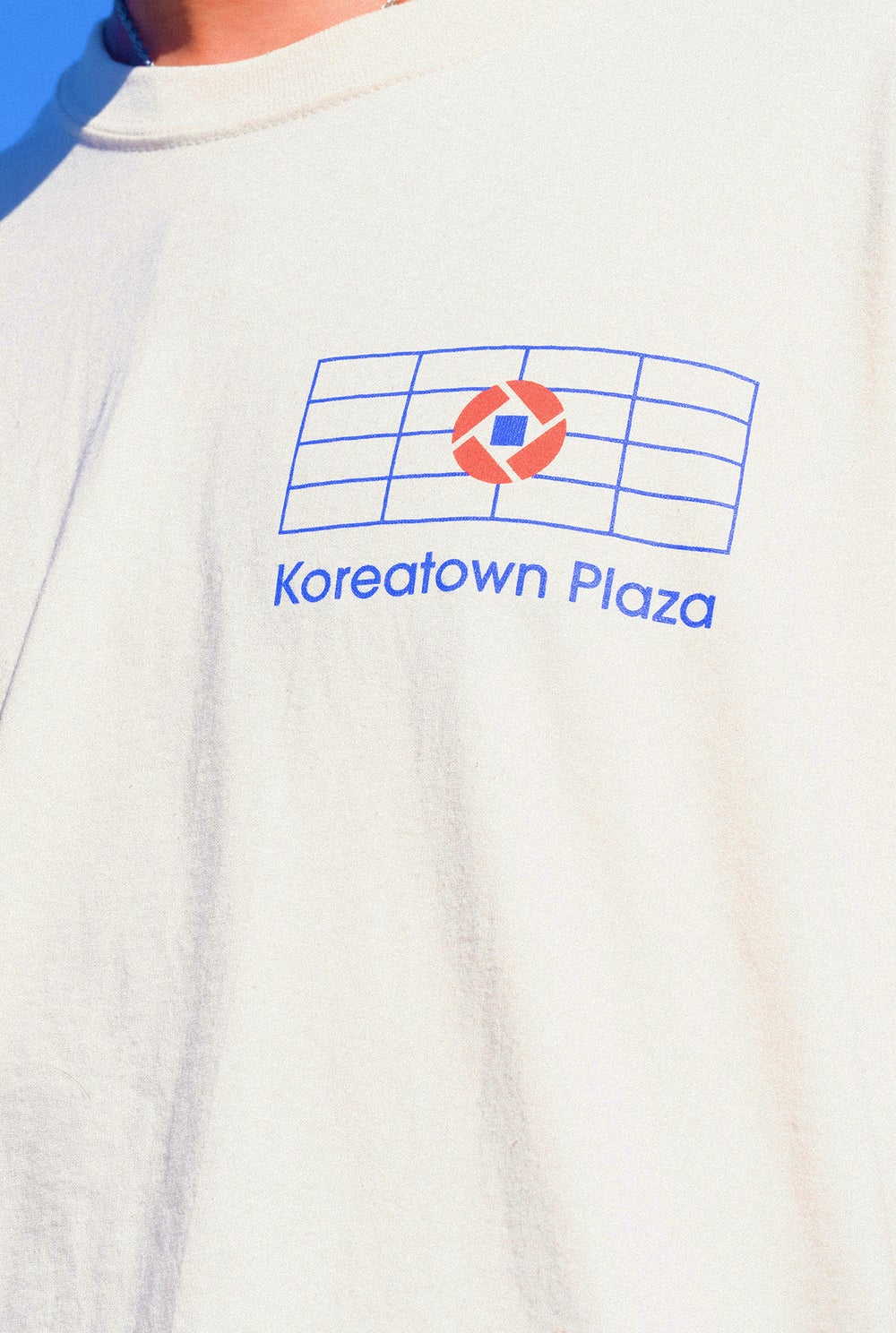 "Image of the ""koreatown plaza"" shirt (canvas)"