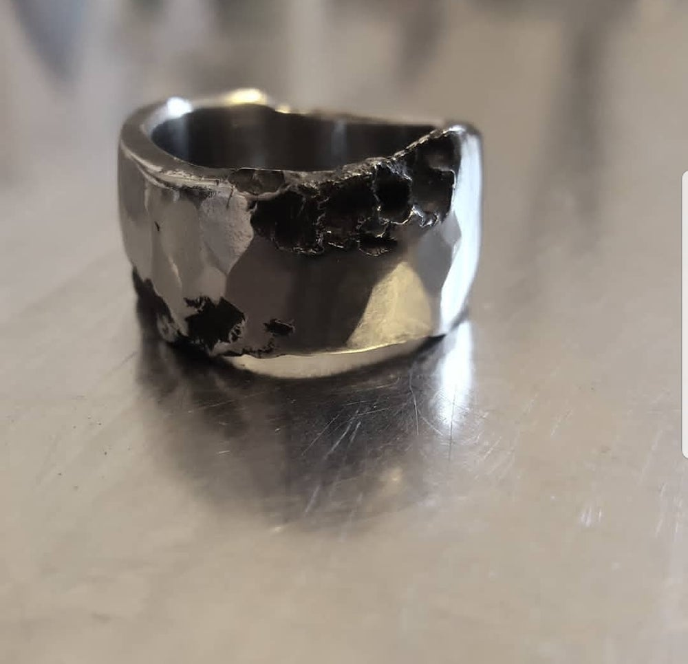 Image of HAMMERED FINISH RING WIDE