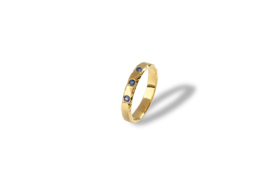 Image of 9ct Gold Ring Set With Sapphires
