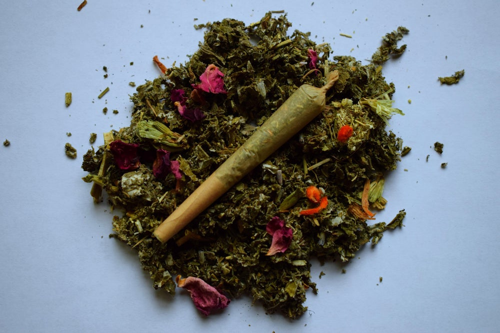 Image of La Luna   a pre-rolled herbal blend for a woman's moon