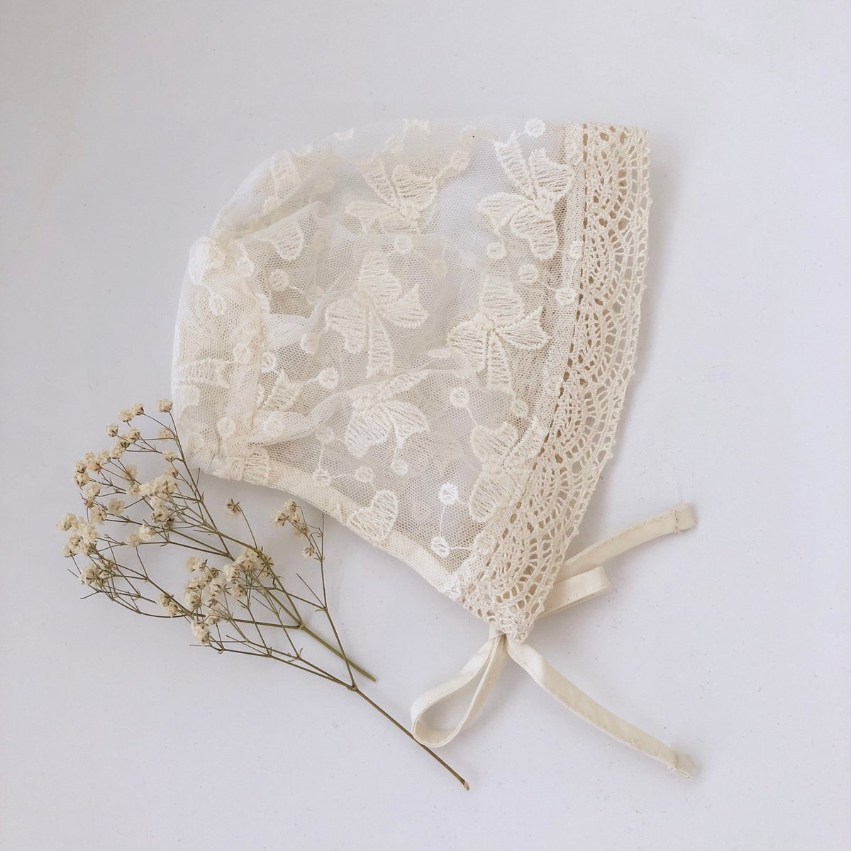 Image of Lace baby bonnet (one size)