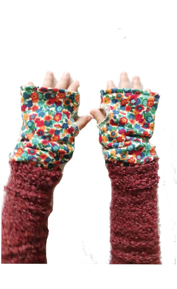 Image of The Wrist Warmer [liberty floral]