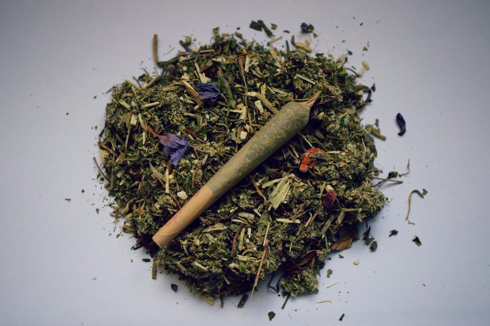 Image of LIFT   a pre-rolled herbal blend for the overactive mind