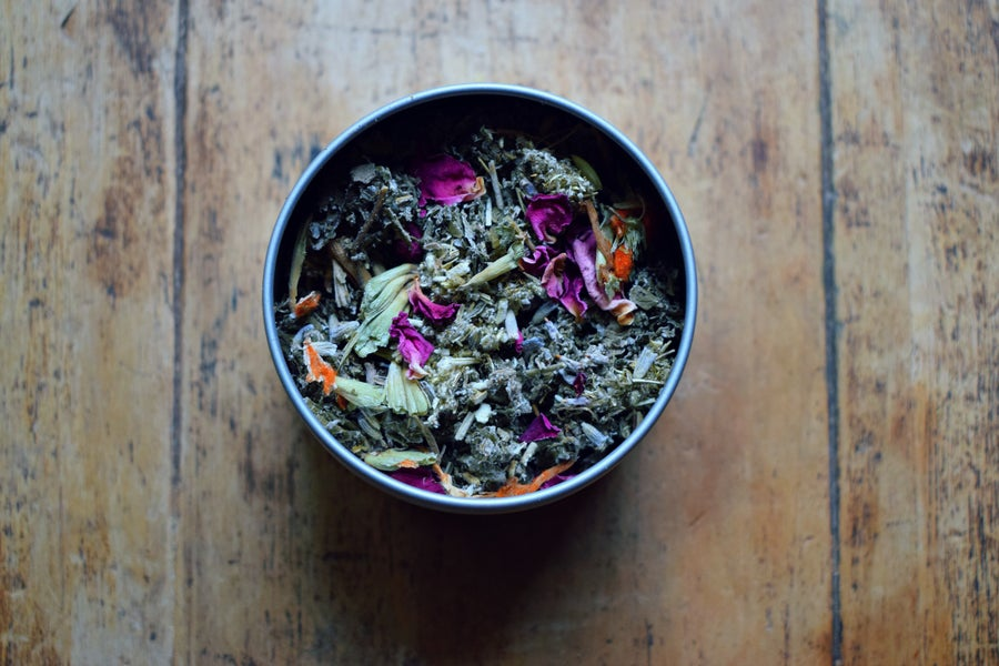 Image of La Luna | an herbal blend for a woman's moon