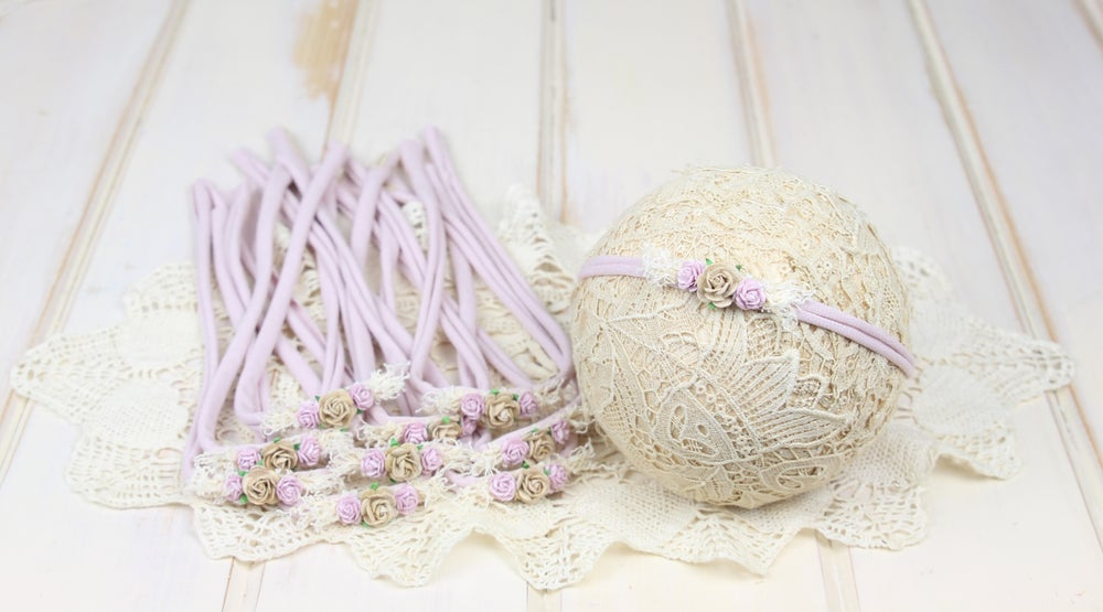 Image of Petite Paper Flowers on a Muted Mauve Jersey Tieback