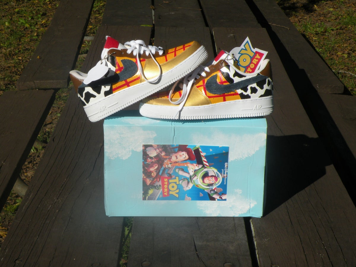 release date 8d721 708ff Woody toy story Nike air force one