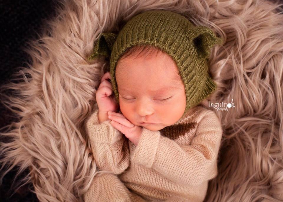 Image of *NEW* Little Yoda Jammy/Hat Set