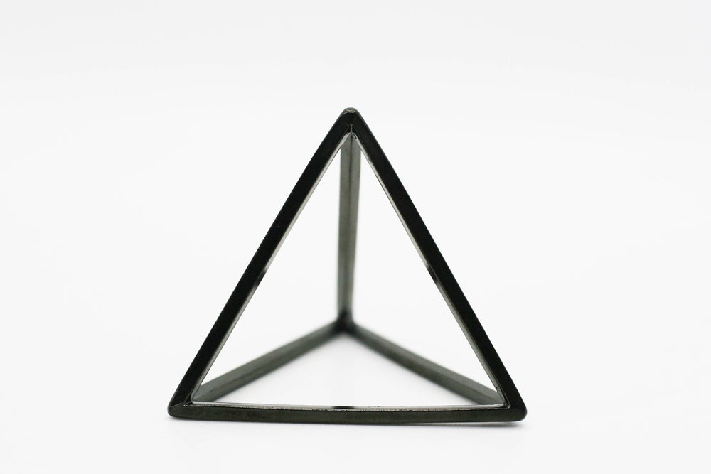 Image of Black carbon tetrahedron