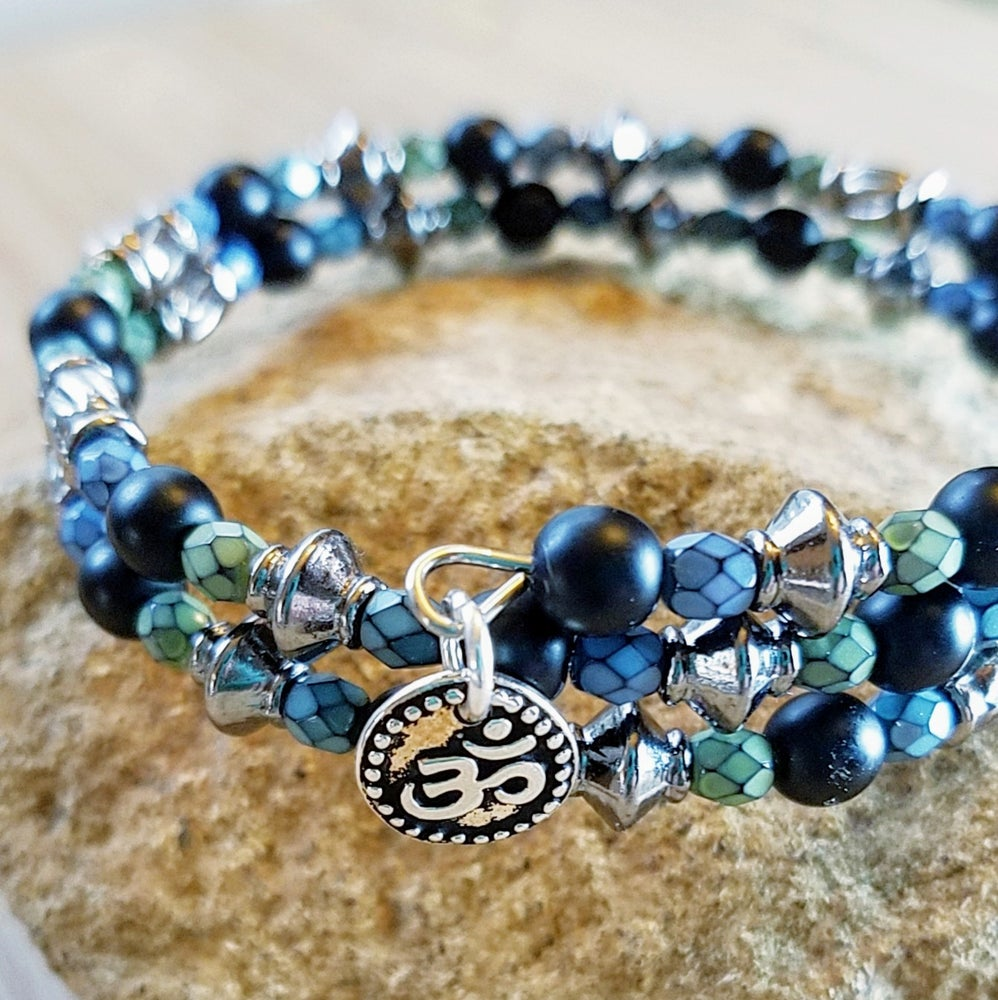 Image of Black and Blue Czech Bead Bracelet