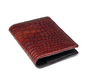Image of Bifold n°4 - Burgundy hand-painted alligator