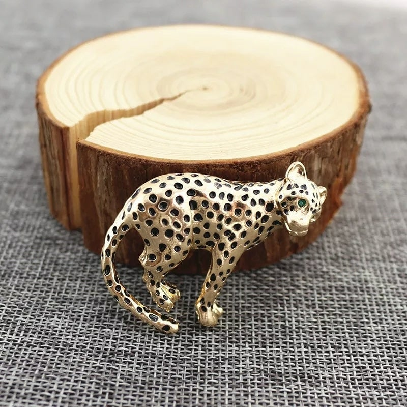 Image of LEOPARD LAPEL BROOCHE
