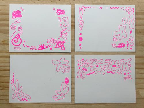 Image of Stationary Set with Printed Kraft Envelope - Fluo Pink or Corneflower Blue