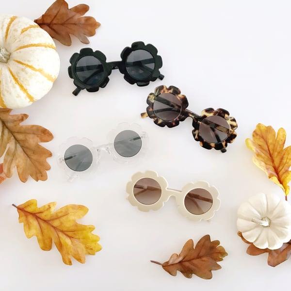 Image of Autumn Flower Sunnies