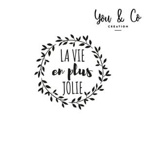 "Image of Sticker ""La vie en plus jolie"""