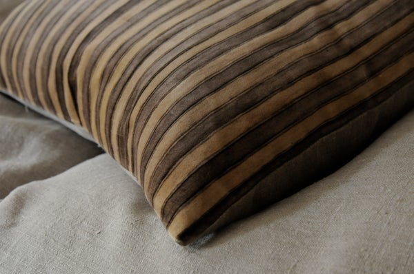 Image of STEEL/GREY PRINTED STRIPE VELVET WITH LINEN BACK