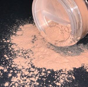 "Image of ""Almond"" Mattifying Powder"