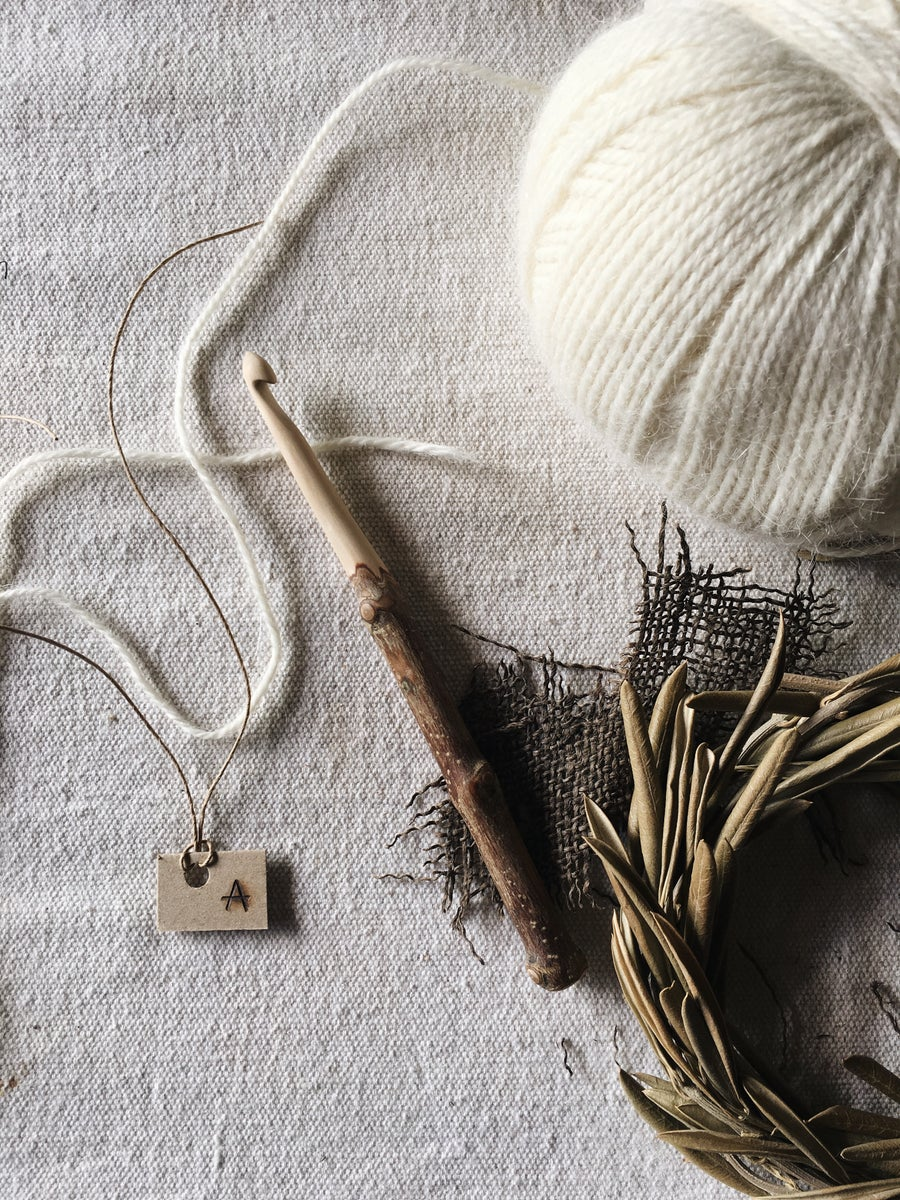 Image of size 8mm olive branch hand carved rustic crochet hook