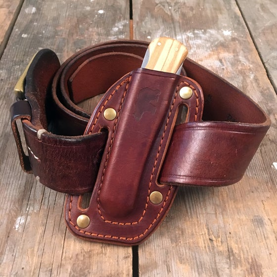 Image of ONDURA POCKETKNIFE WITH PANCAKE HOLSTER BROWN