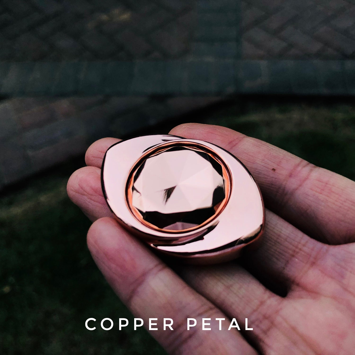 Image of Copper/Bronze/Ti Petal handspinner drop-time 21th October 08:00 PM EST