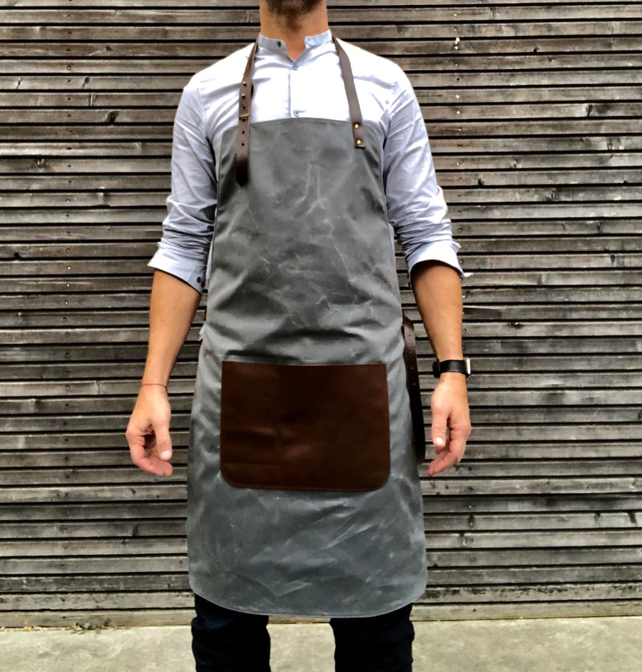Image of Waxed canvas and leather apron / craftsman's apron / sturdy barber's apron