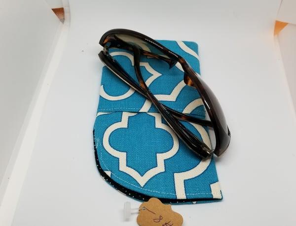 Image of Turquoise eye glass case