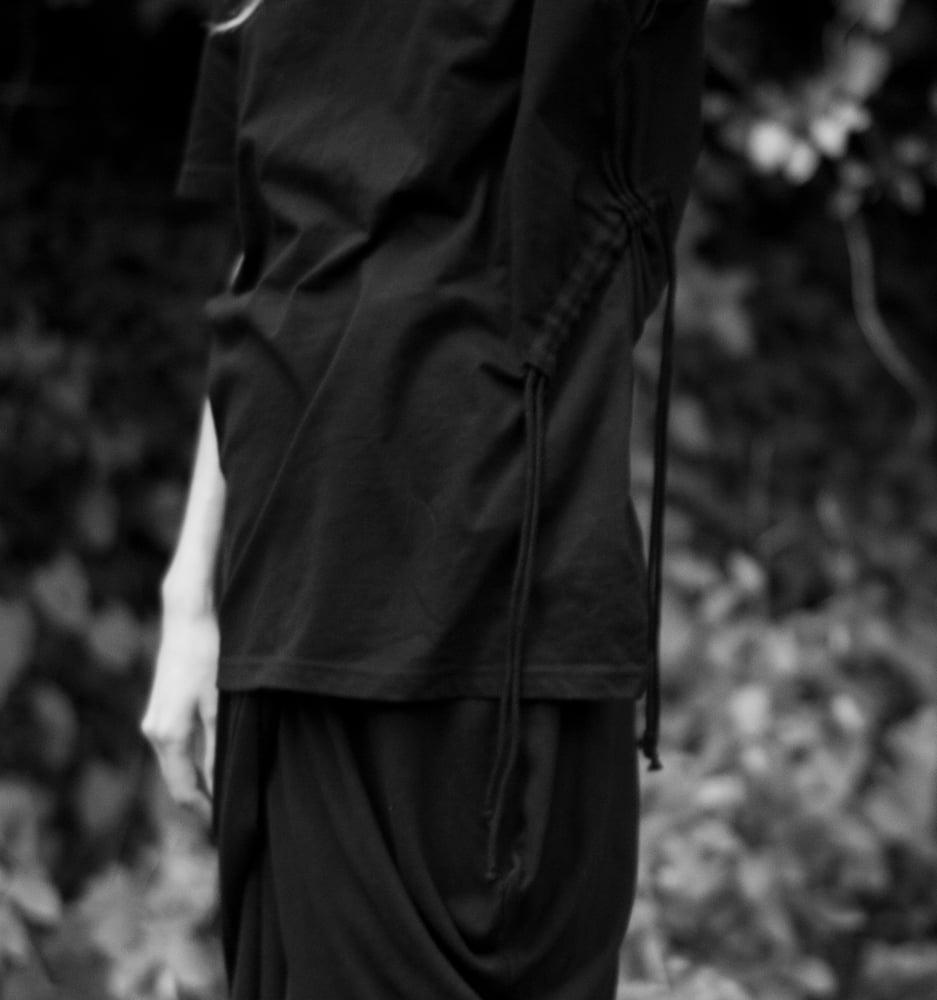 Image of GREY LABEL RIB DRAWSTRING T-SHIRT