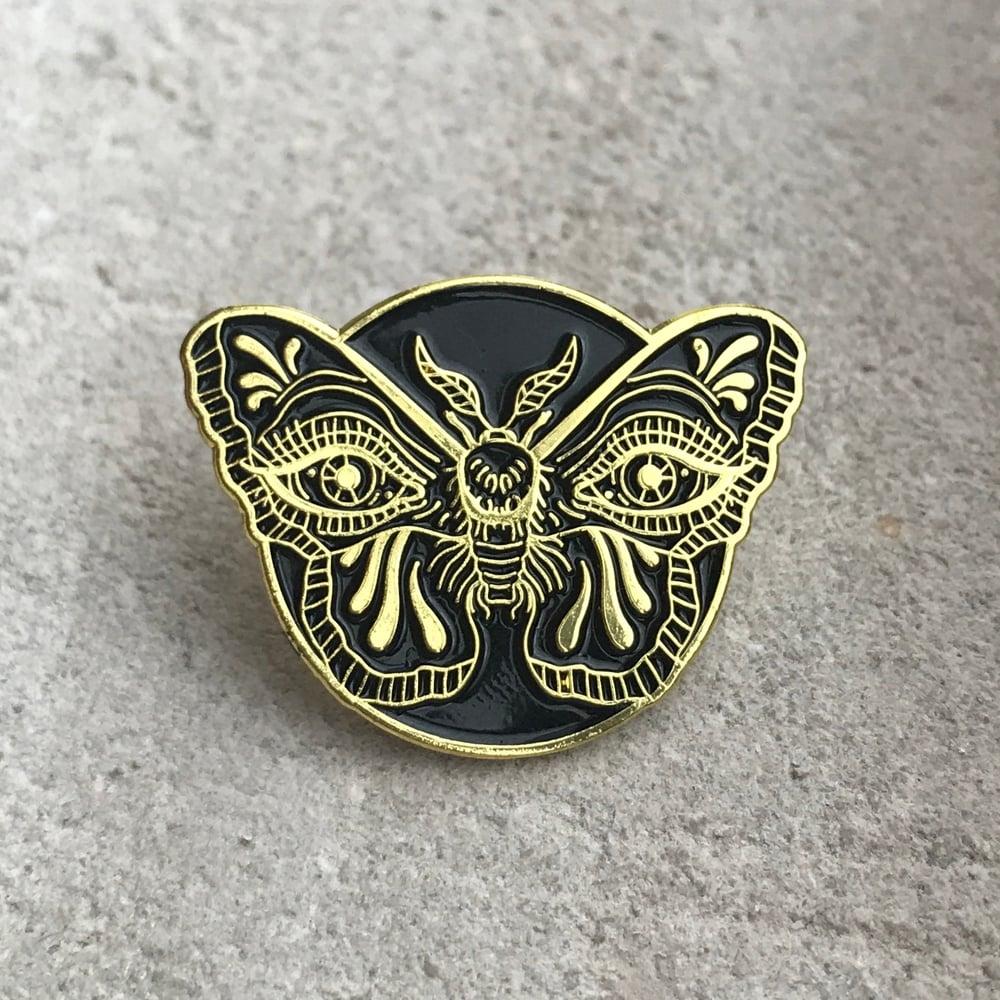 Image of Gold Weeping Moth Pin