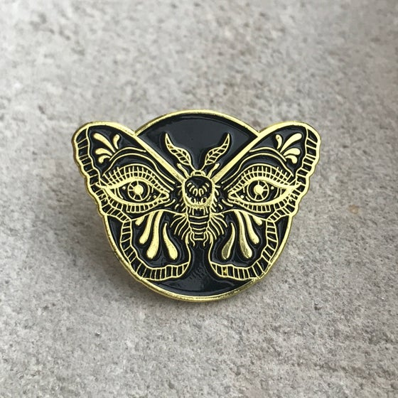 Image of Gold Weeping Moth Pin