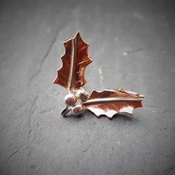 Image of Holly Lapel Tack