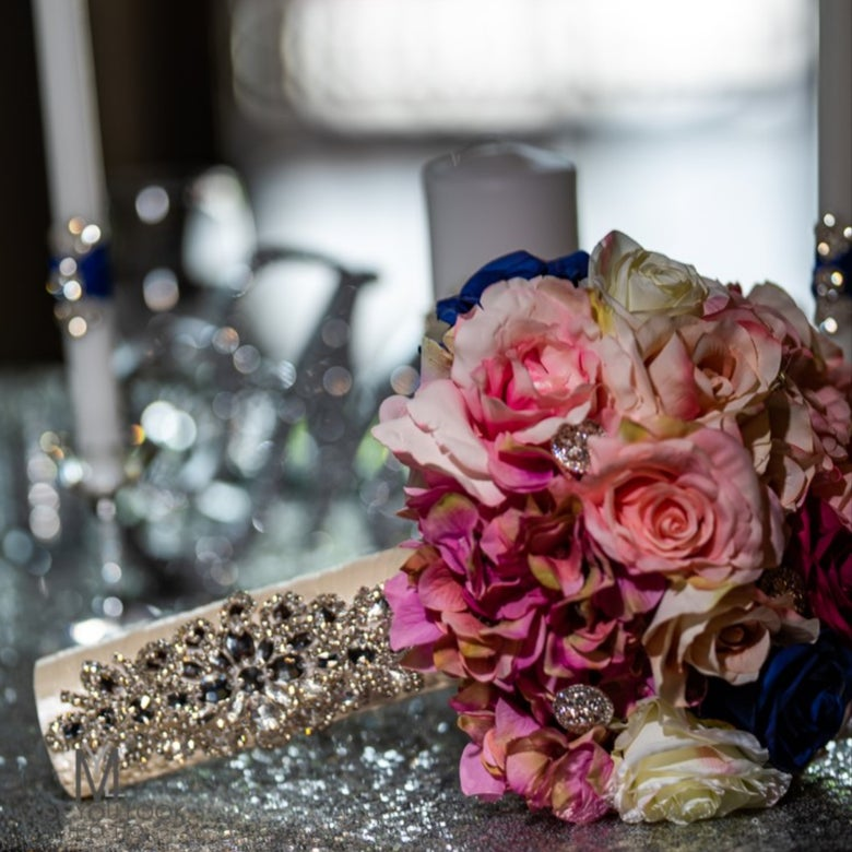 """Image of """"Tonya"""" Bouquet Holder ( available in other colors)"""