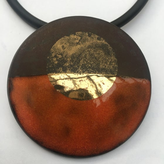 Image of Circle Pendant red/Gold