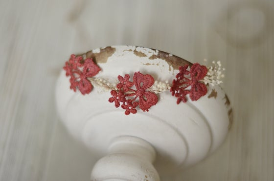 Image of Bows and flowers tieback (burgundy/red)