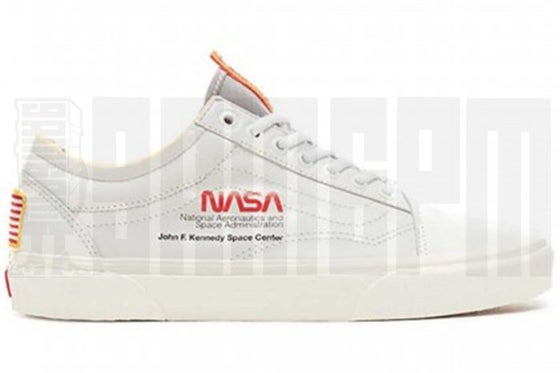 "Image of Vans UA OLD SKOOL NASA ""SPACE VOYAGER TRUE WHITE"""